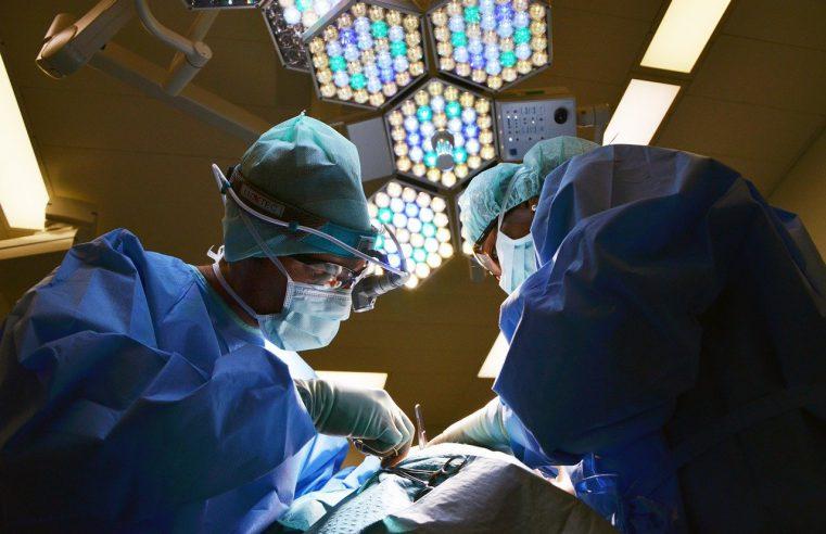 Na czym polega operacja ginekomastii?
