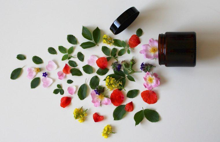 Kosmetyki naturalne – jak zadbać o siebie bez chemii?